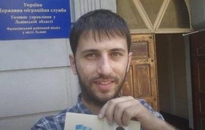 Львовянин отсудил себе первый в Украине паспорт без русского языка