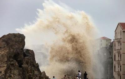 Вслед за Тайванем мощный тайфун обрушился на Китай