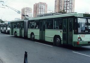В Киеве водитель троллейбуса совершил наезд на пешехода и скрылся с места происшествия