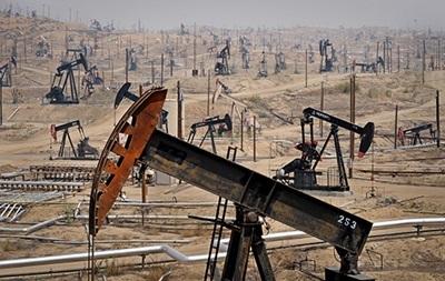 Нефть подешевела в ходе торгов на биржах Лондона и Нью-Йорка