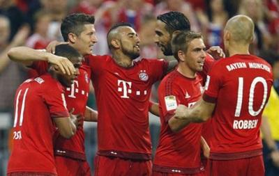 Дуглас Коста помог Баварии уверенно стартовать в чемпионате Германии