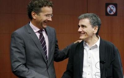 МВФ призывает списать часть греческого долга