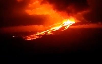 В Эквадоре объявлен режим чрезвычайной ситуации из-за извержения вулкана