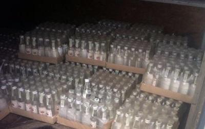 В Донецкой области задержали машину с контрафактной водкой