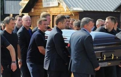 Итоги 15 августа: Похороны Еремеева, второе за сутки падение вертолета в РФ
