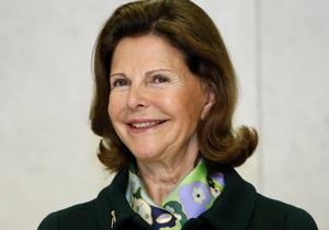Королева Швеции получила травму, уклоняясь от навязчивого фотографа