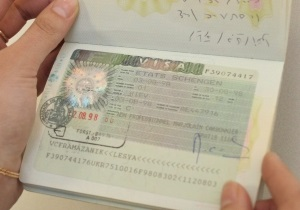 Греция призывает ЕС отменить визы для украинцев