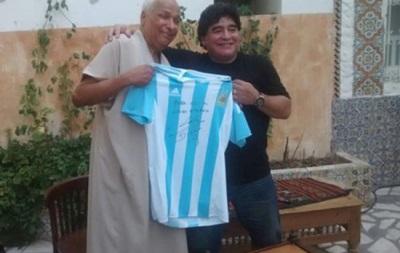 Марадона встретился с арбитром, который засчитал его гол рукой