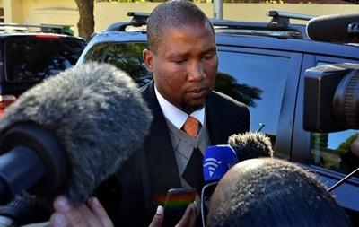 Внука Нельсона Манделы обвиняют в изнасиловании