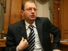 Яценюк не верит ни в конфликт с РФ, ни в прочность союза Януковича с Тимошенко