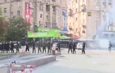 Украинские и польские фанаты устроили массовую драку на Майдане