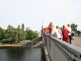Власти Киева запретили въезд транспорта в Гидропарк