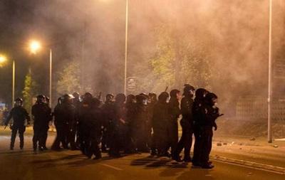 В Германии полиция силой разогнала протестующих против приема беженцев