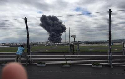 В Японии горят два крупнейших завода