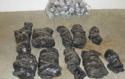 Пограничники задержали украинца с 50 килограммами янтаря