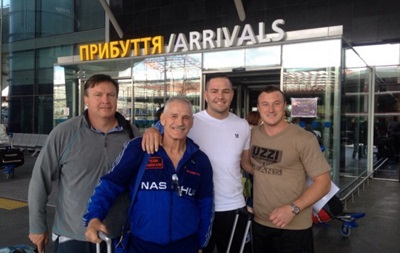 Соперник Усика прибыл в Киев