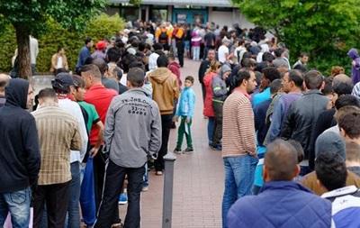 Сто известных немцев призвали к солидарности с беженцами