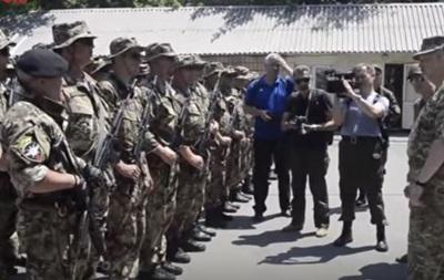 Турчинов попросил военных привезти Захарченко  в пакете