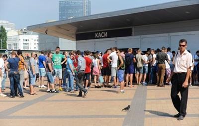 У НСК Олимпийский выстроились очереди за билетами на матч Лиги чемпионов
