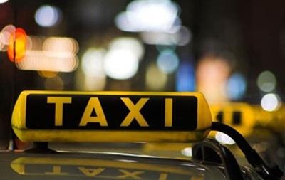 В Киеве на Троещине таксист устроил стрельбу