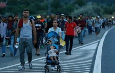 Мигранты из Венгрии прибывают в Австрию
