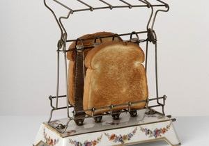 На аукционе в Великобритании продали тост, поджаренный к свадебному завтраку принца Чарльза