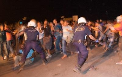 В Греции произошли столкновения мигрантов с полицией