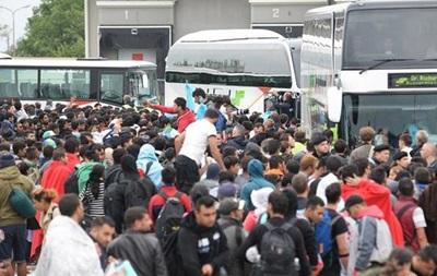ЕС намерен переместить 54 тысячи беженцев из Венгрии в другие страны