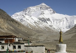 На Эвересте установят туалеты