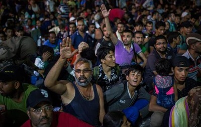 Австралия примет еще 12 тысяч сирийских беженцев