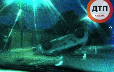 Во Львове перевернулось патрульное авто новой полиции