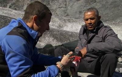 Обама доел рыбу после медведя на шоу  В диких условиях
