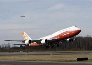 Самый длинный пассажирский самолет в мире совершил первый полет