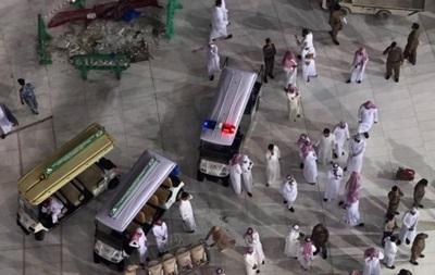 Падение крана на мечеть в Мекке: число жертв возросло до 107 человек