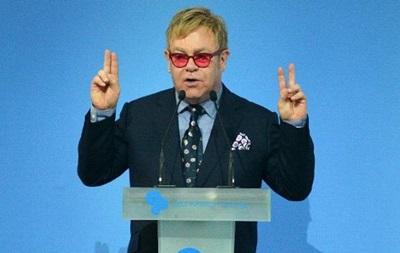 Пранкеры признались в звонке Элтону Джону от имени Путина