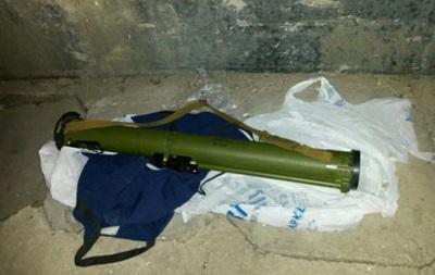 На маршруте проезда кортежа Яценюка нашли гранатомет