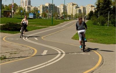 В Киеве открыли велодорожку с Троещины до центра