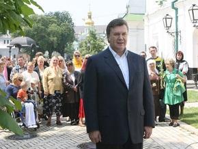 Янукович продолжает настаивать на повышении зарплат и пенсий