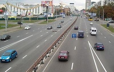 В Киеве восстановлено движение автотранспорта по проспекту Победы