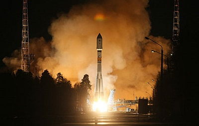Россия запустила ракету с военными спутниками связи