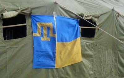 Блокада Крыма: активисты развернули палаточный городок