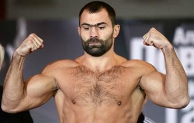 Российский чемпион мира по боксу чуть не опозорился перед родной публикой
