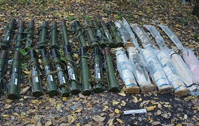 В Луганской области нашли тайник с оружием и боеприпасами