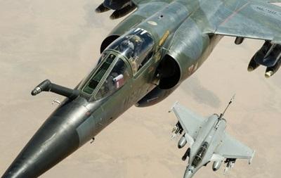 Франция уничтожила в Сирии тренировочный лагерь боевиков ИГ – Олланд
