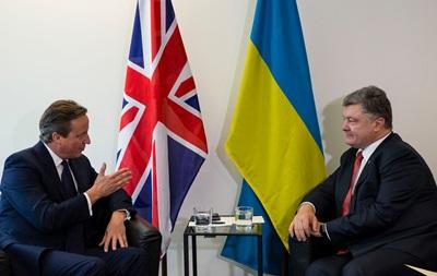 Кэмерон заявил о готовности направить военных инструкторов в Украину