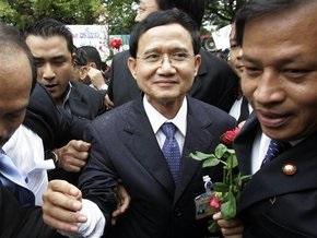 Премьер Таиланда согласился уйти в отставку