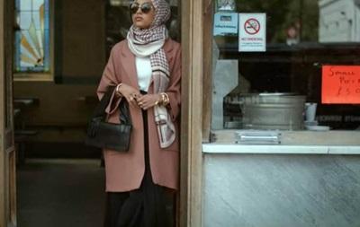 В рекламе H&M впервые появилась модель в хиджабе