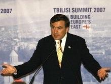 Саакашвили предложил прекратить огонь в Южной Осетии