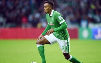 Не ешь пирожок: Немецкого футболиста отстранили от игры за съеденный багет
