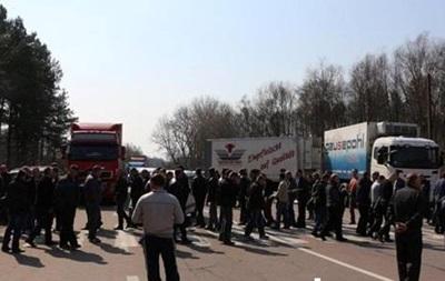 Шахтеры перекрыли трассу Ковель-Львов из-за задержки зарплат